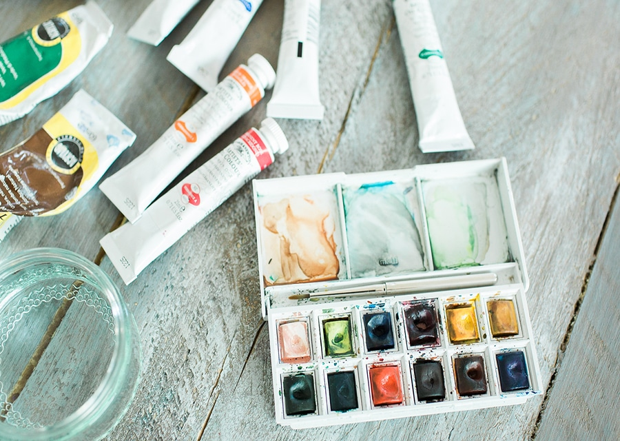 Non-product image Paint pot